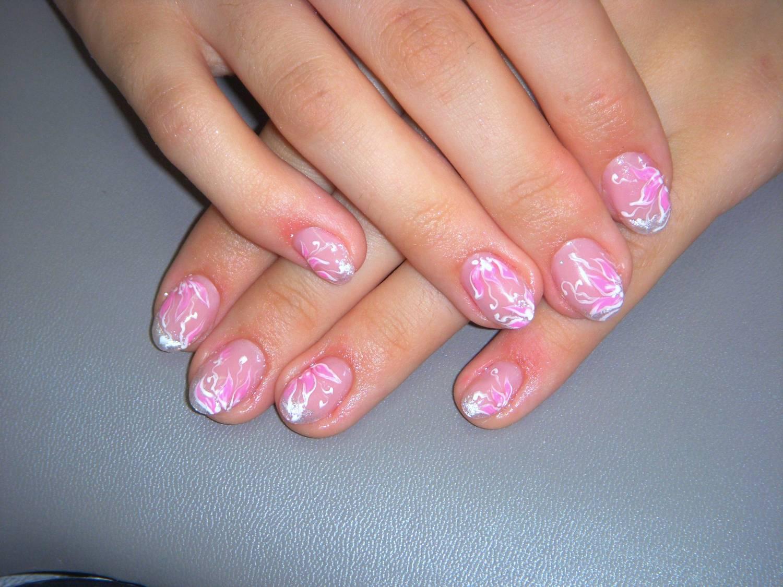 Фото ногтей покрытым гелем